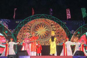 Tết Việt - đêm diễn đậm sắc màu truyền thống