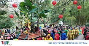 Hàng vạn du khách dự lễ khai hội đền Sóc Xuân Canh Tý 2020