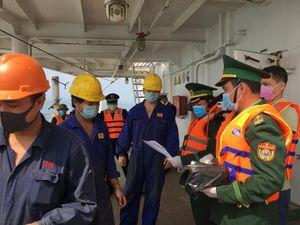 Không nhập cảnh và cách ly người trên tàu hàng từ Trung Quốc cập cảng ở Quảng Bình