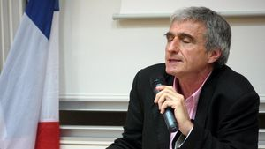 Tổng Thư ký Hội Hữu nghị Pháp-Việt, Jean Pierre Archambault khâm phục những tiến bộ vượt bậc của Việt Nam