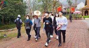 Người dân đi lễ đền, chùa mùa Corona