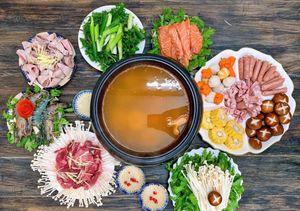 Dân mạng chia sẻ ảnh bữa cơm nhà trong mùa dịch viêm phổi cấp