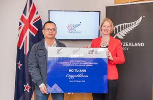 Trao thưởng cho cuộc thi thiết kế logo quan hệ New Zealand-Việt Nam