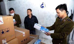 Hà Nội: Phát hiện người Trung Quốc thu gom số lượng lớn khẩu trang để xuất lậu