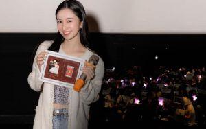 Jun Vũ xuất hiện với nhan sắc mong manh tại họp fan y như 'concert thu nhỏ'