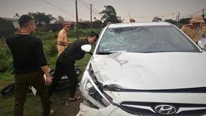 Truy tìm tài xế ô tô kéo lê xe máy khiến 2 cô giáo mầm non tử vong