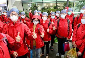 Trung Quốc cử Đội y tế khẩn cấp quốc gia giúp các bệnh viện tạm thời ở Vũ Hán