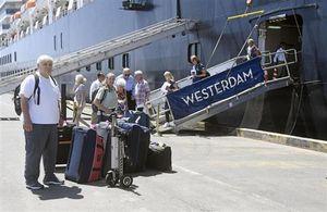 Malaysia 'cấm cửa' mọi hành khách trên du thuyền MS Westerdam