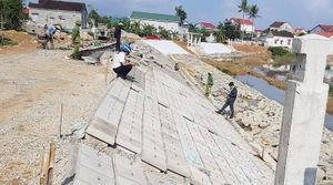 Kè 'dát vàng' dấu hiệu thi công ẩu tại Hà Tĩnh