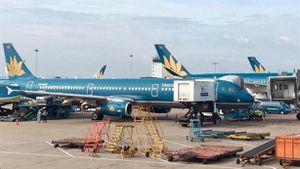 Lái xe chạy 'cắt mặt' máy bay A350/VN-A890 của Vietnam Airlines