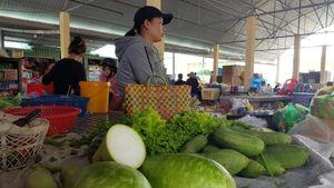 Chợ 3.000m2 vắng người buôn bán tại Phú Yên
