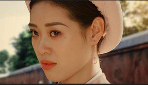 Tạo hình đẫm lệ đầy uẩn ức của Hoa hậu Khánh Vân trong 'Phượng Khấu' gây tò mò