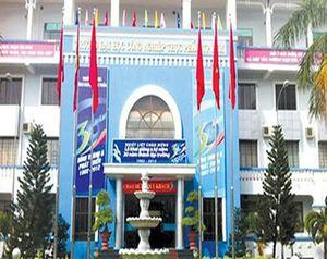 Hai trường đại học đầu tiên ở Sài Gòn cho sinh viên nghỉ hết tháng 3