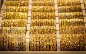 Giá vàng thế giới tăng trước kỳ vọng các ngân hàng trung ương sẽ hạ lãi suất