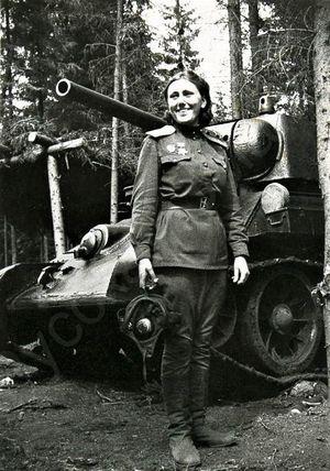 Quân Đức khiếp sợ nhất những nữ Hồng quân nào?