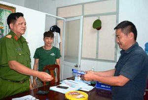 Kiên Giang: Trao trả 100 triệu đồng cho người đánh rơi