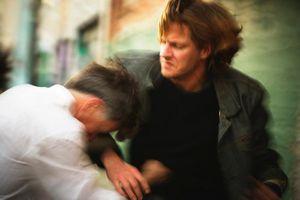 Em trai nghiện rượu lâu năm, khuyên bảo không được anh làm điều đau lòng