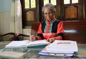 Nữ trí thức người Raglai với tâm huyết xây dựng bộ chữ viết riêng