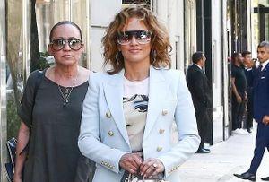 Jennifer Lopez 'lột xác' ấn tượng ở tuổi 50