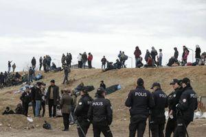 EU yêu cầu Thổ Nhĩ Kỳ đưa người di cư từ biên giới Hy Lạp trở về