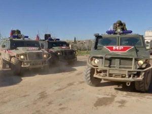 Lính Mỹ lại chặn đoàn xe quân sự Nga ở Syria