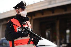 Chuyên gia lo ngại Anh trượt vào 'vết xe đổ' của Italy