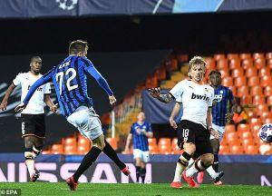 Tottenham bị loại cay đắng, Atalanta lại gây sốc