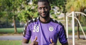 Mất Rimario, Hà Nội FC đăng ký lại Ibou Kebe