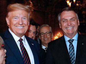 Tổng thống Brazil nhiễm COVID-19, đã bắt tay ông Trump