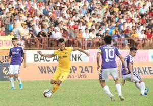 Thêm 1 giải đấu chuyên nghiệp tại Việt Nam hoãn vì Covid-19