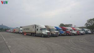 801 xe hàng hóa vẫn đang chờ thông quan tại các cửa khẩu