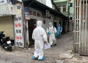 Khẩn trương thực hiện những biện pháp phòng dịch với các ca nhiễm Covid-19 mới tại Hà Nội