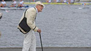 Anh muốn cách ly toàn bộ người già trên 70 tuổi để tránh dịch Covid-19