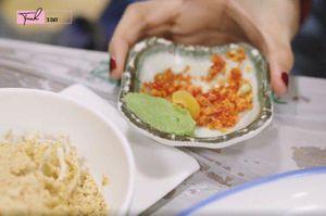 Ngọc Trinh ăn hải sản bữa tiền triệu nhưng vẫn không quên mang theo một món rẻ tiền quê nhà