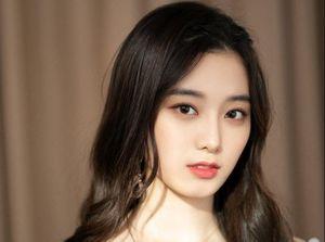 Cô gái có gương mặt kết hợp giữa Krystal f(x) và Tzuyu (TWICE)