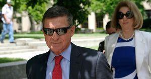 Ông Trump xem xét ân xá cho cựu cố vấn Michael Flynn