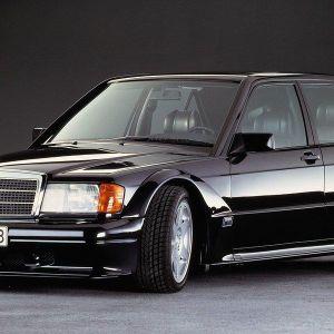 Biểu tượng thập niên 90: Mercedes-Benz 190E 2.5-16 Evo II chào mừng tuổi 30 đầy ấn tượng