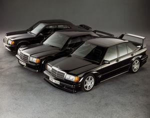 Mercedes-Benz 190E 2.5-16 Evo II 'ăn mừng' tuổi 30