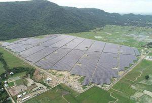 Đến Tịnh Biên để trải nghiệm cánh đồng pin điện mặt trời