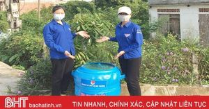 Đoàn viên thanh niên Hà Tĩnh 'biến' lốp ô tô cũ thành thùng đựng rác