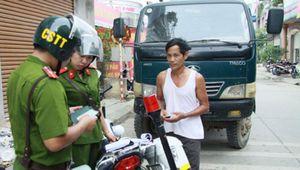 Cảnh sát trật tự có được dừng xe vi phạm để xử phạt?