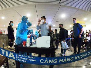 Lá chắn COVID-19 ở sân bay Tân Sơn Nhất