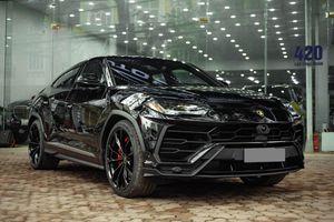Ngắm Lamborghini Urus màu đen đầu tiên về VN, giá khoảng 1 triệu USD