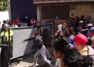Bạo loạn nhà tù ở Colombia, cả tù nhân và cảnh sát thương vong