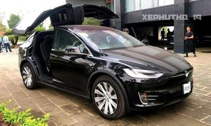 Đại gia Phú Thọ tậu xe Tesla Model X hơn 8 tỷ đồng