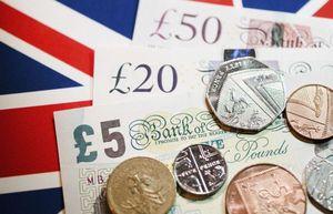 Kinh tế Anh đã 'rơi tự do' từ trước khi có lệnh phong tỏa bởi dịch Covid-19