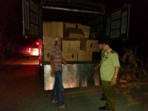 An Giang: Giữ xe tải chở 207.400 khẩu trang y tế