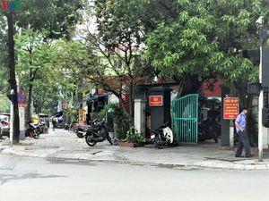 Nhiều cửa hàng tại Hà Nội vẫn kinh doanh sau yêu cầu đóng cửa