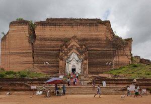 Giấc mơ tan biến để lại một ngôi chùa thờ thánh tích răng Phật lớn nhất thế giới dở dang