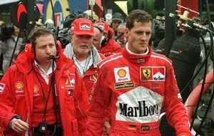 Nhìn lại chặng đua khiến Schumacher đòi ăn thua đủ với đối thủ